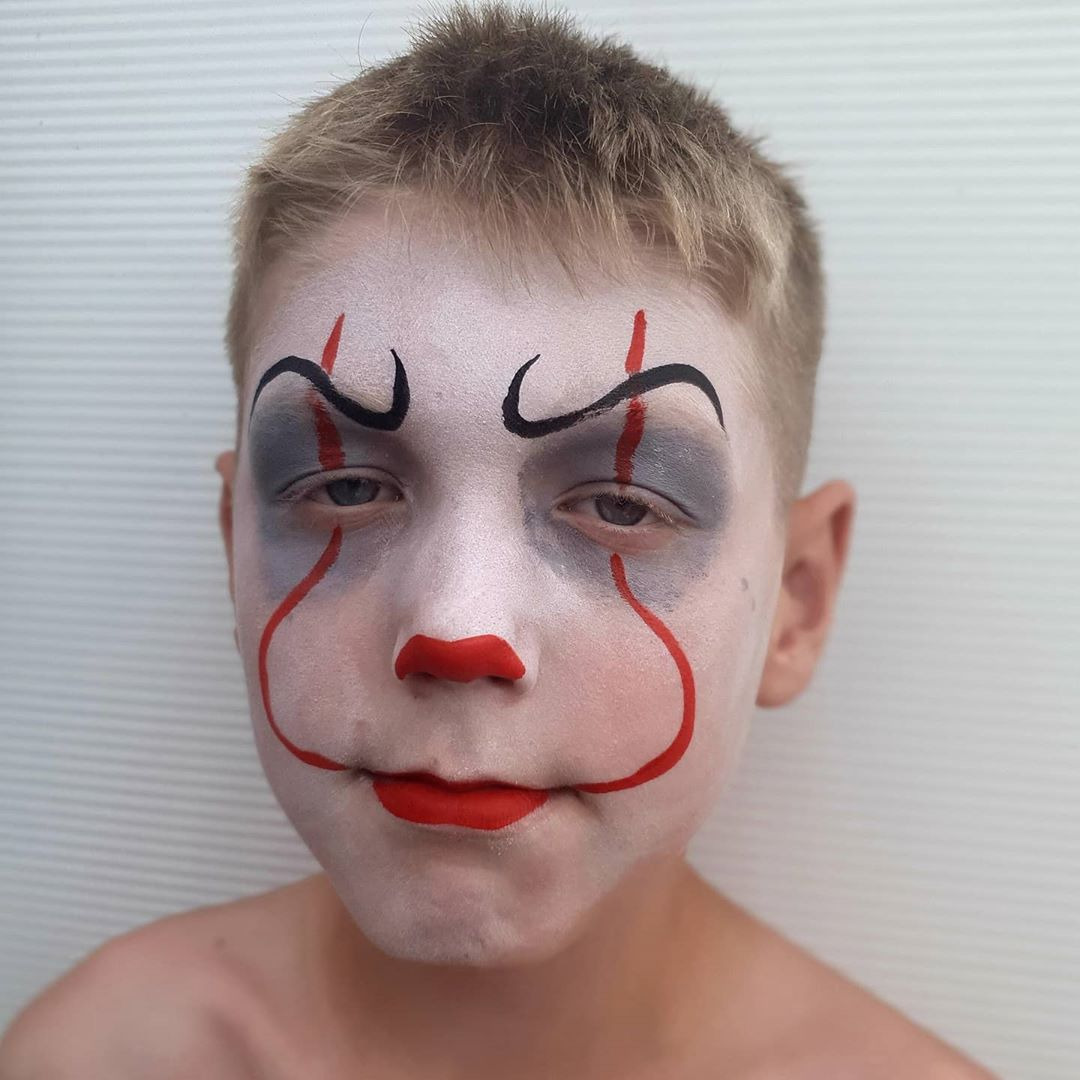 20 Cool Halloween Face Painting Ideas For Kids